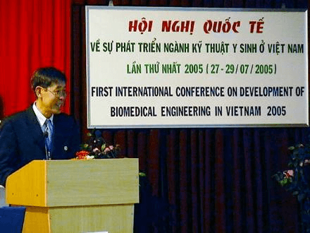 Professor Vo Van Toi, Tufts University, organizer of the First International Conference on the Development of Biomedical Engineering in Vietnam